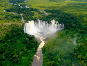 Уникальная достопримечательность Анголы - водопад Каландула